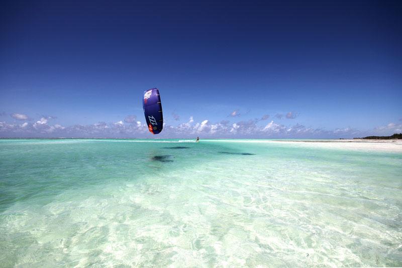 http://www.surf-action.eu/Hotelcebra/HiRes/Sansibar_1.jpg